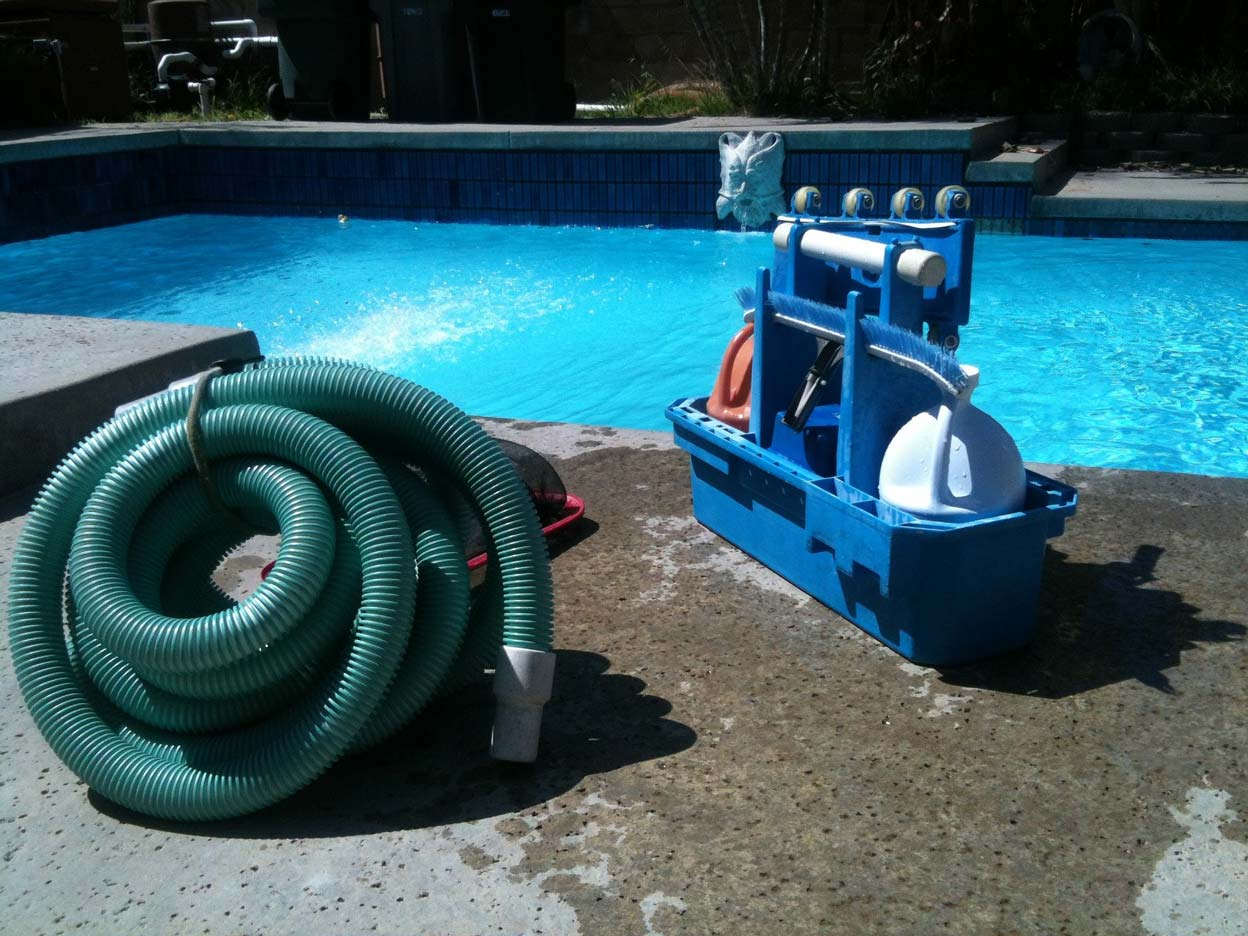 pool-cleaning-330399_1920_web